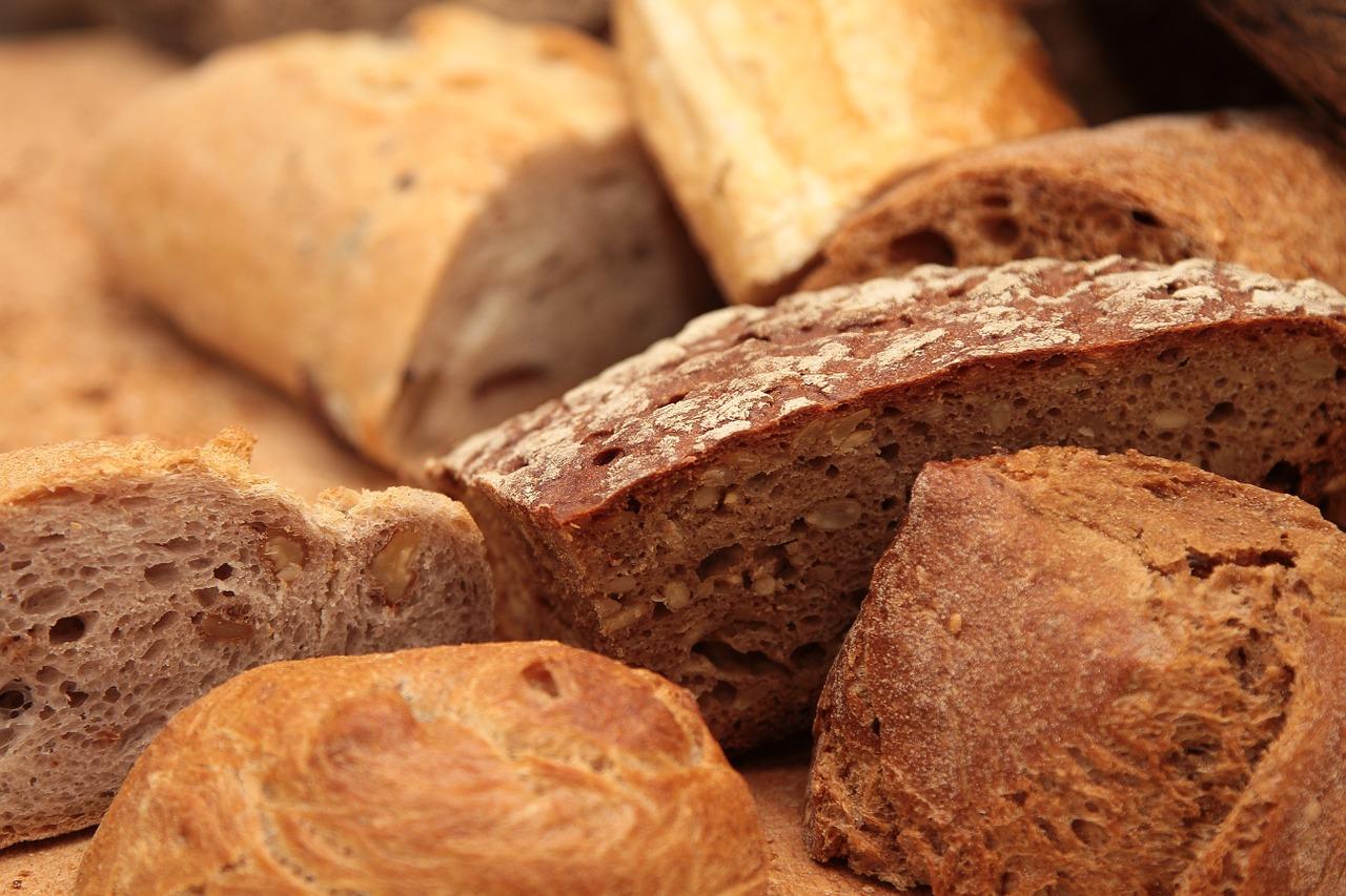 Altes Brot und Brötchen